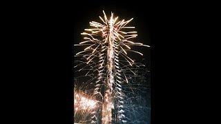 Dubai Burj Khalifa New Year Fireworks 2017 | New Year Countdown in Dubai | Dubai