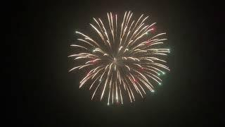 5 Inch Fireworks Shell - Brocade Crown to Coloured Tips Effect
