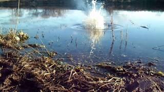 Взрываем петарды в воде| Тест петард в воде| Моя пиротехника