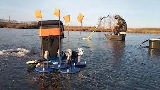 Рыбалка на жерлицы в суровых условиях. Зимняя Рыбалка   Первый Лед 2021