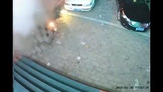 Мальчик из Китая фейерверком взорвал канализацию