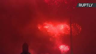 Салют в Москве в честь годовщины освобождения Каунаса от фашистских захватчиков — LIVE