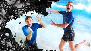 Супергерои видео игры - Чёрная Материя в Аквапарке! - Акватим vs Веном в онлайн видео шоу