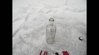 Взрываем петарды в бутылке