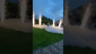 Тяжелый дым и холодные фонтаны на первый танец молодоженов.