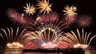 New Year's Eve fireworks London 2018 - UK welcomes in 2019