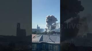 Серьезный пожар со взрывами на складе завода пиротехники в районе Лужнецкой набережной