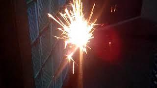 Зажигаем с подругой бенгальские огни :-)