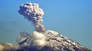 Mexico's Popocatepetl volcano puts on fireworks show