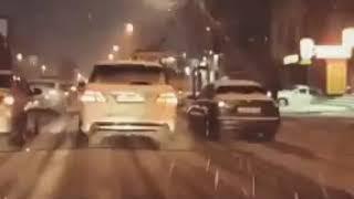 Троллейбус устраивает фейерверки в Александровке