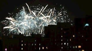 В Госдуме предложили запретить пускать фейерверки рядом с домами