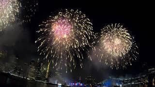 ⁴ᴷ Macy's Fourth of July Fireworks NYC 2019 (GoPro View with 3 Barges) from Brooklyn Bridge Park