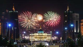 Праздник 9 мая! Прогулка девочек по парку и салюты на площади Алматы