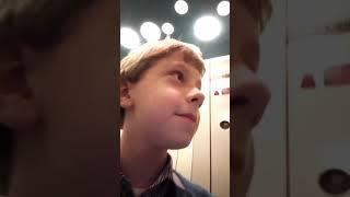Застряли в лифте в новый год ночью