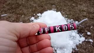 """Петарда """"Супер взрыв"""" в снегу (JF K05)"""