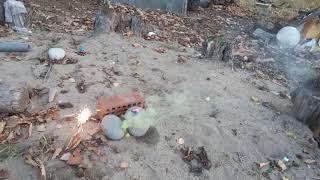 Взрываю  связки петард , дымный шарик, бабочку , петарды .