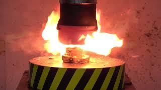 Эксперимент накаляя давление 1000 градусов ПРЕСС 100 тонн против бенгальских огней