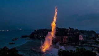 Chinese artist creates stairway to heaven fireworks| CCTV English