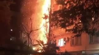 В Сочи после запуска пиротехники загорелся дом