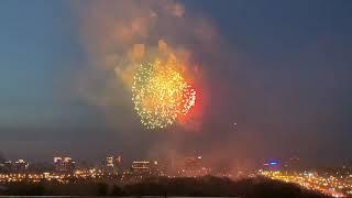 9 мая 2019 года. Салют ко Дню Победы. Вид с площади Лыщинского. Новосибирск.