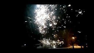 Новогодние ёлки 2020 Подарки   Смотрим салюты на халяву)