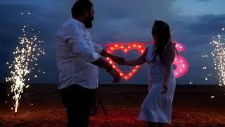 Горящее сердце, буквы A, S и фейерверк на свадьбу