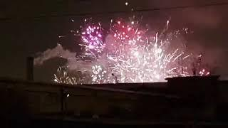 Фейерверк до Нового года — в Санкт-Петербурге горит склад пиротехники
