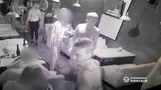 Правоохоронці розшукують чоловіків, причетних до бійки