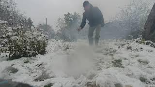 первый снег и петарды. аномалия