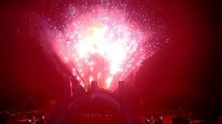 Katy Perry singing Firework with Fireworks Show at Hollywood Bowl