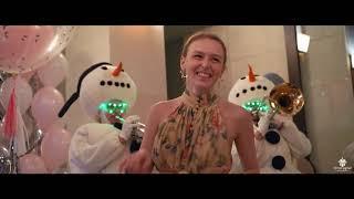 Поздравление с Днём Рождения на 18 лет   снеговики, мим, большой мишка, пиротехника, салют! ©