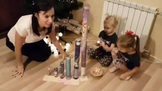 Новогодний Челлендж взрываем хлопушки! Two Sisters