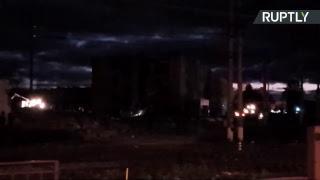 Прямая трансляция с места взрыва на заводе пиротехники под Санкт-Петербургом