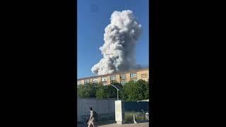 Взрывы в Москве  Pванули 15 тонн пиротехники на складе в Лужниках.