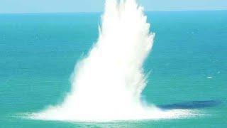 Уничтожаем воду петардами! Часть 2 Мистика! Тайное ведро и яма прешельцов! K1000, Juke, треугольник.