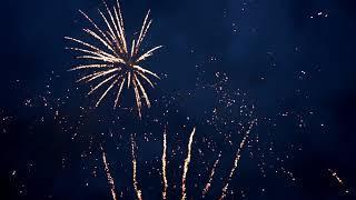 Фейерверк и бенгальские свечи на свадьбу Петергоф Гольф клуб