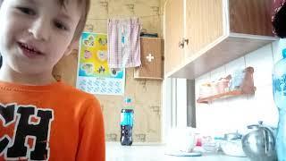 Детские эксперименты на кухне)) развлечения юмор детское видео игры рассказы общение  детский влог.